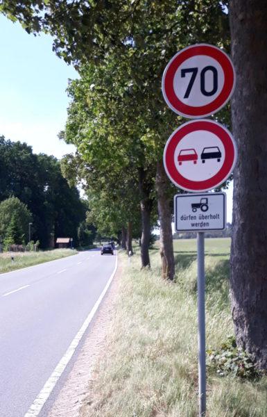 Tempo 70-Beschilderung an der L 240 vor Müden (Örtze)