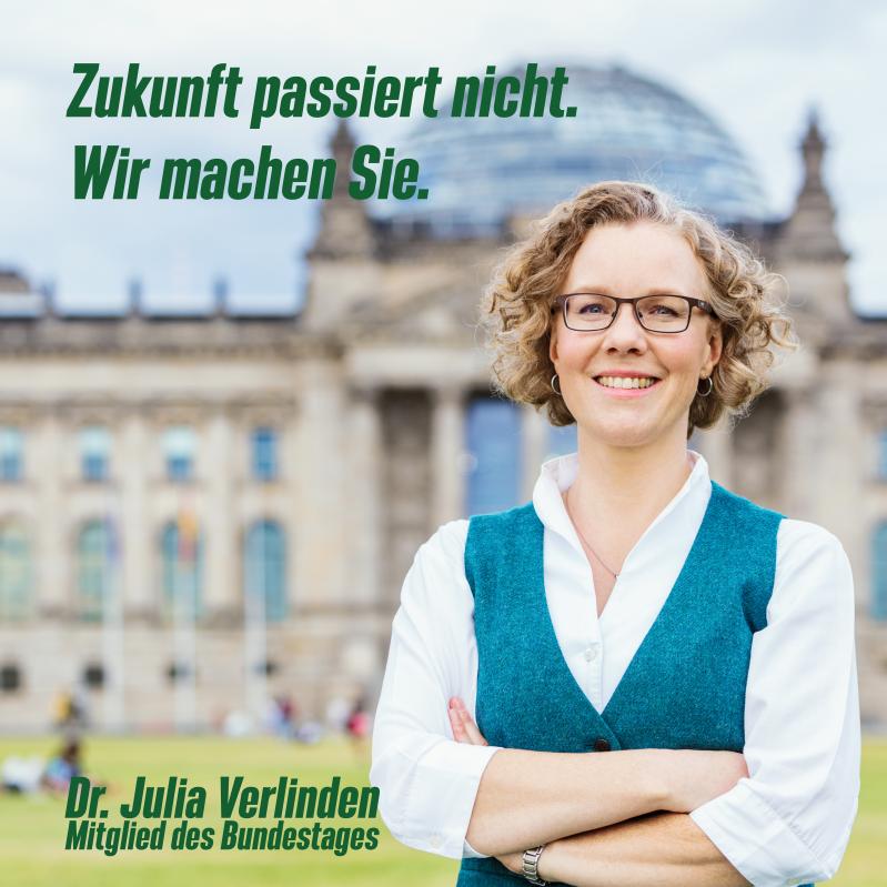 Julia Verlinden am Wahlstand in Reppenstedt (Sa, 4. Sep.)